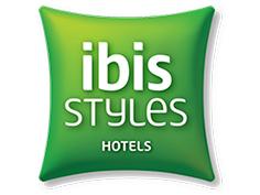 Logo ibis style, partenaire officiel de National de Pétanque